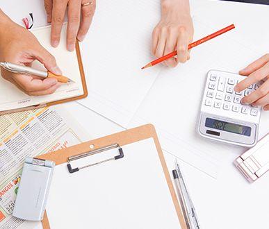 ファイルと用紙とペン